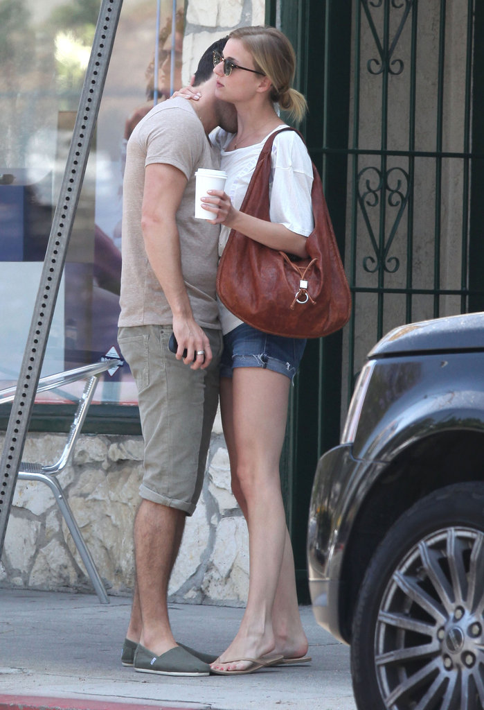 Joshua Bowman kissed Emily VanCamp after having brunch in LA together.