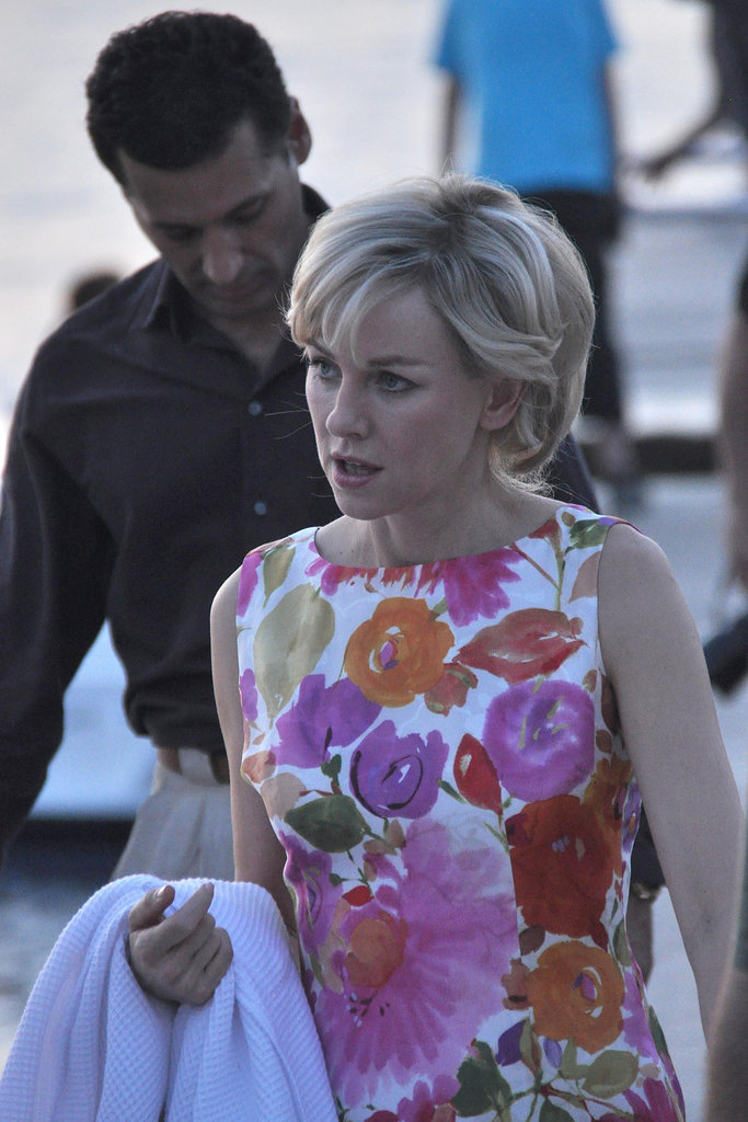 Naomi Watts carried a robe.
