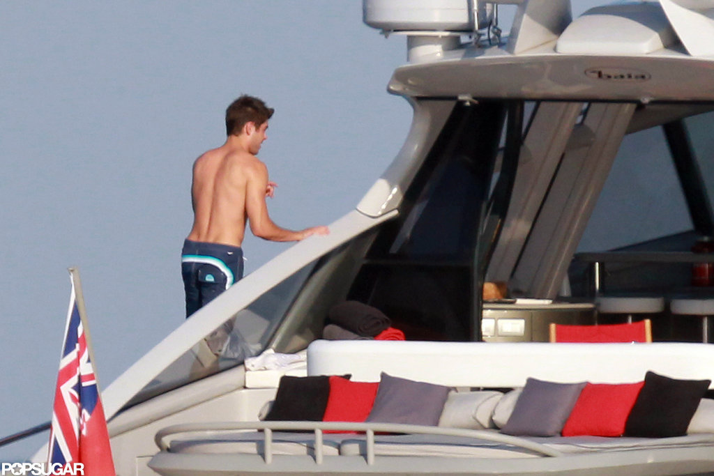 Zac Efron showed off his back muscles.