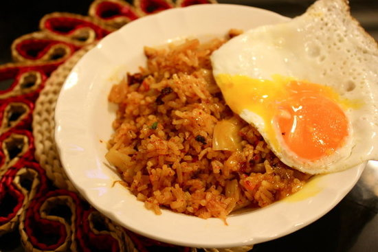 (vegetarian friendly) kimchi fried rice