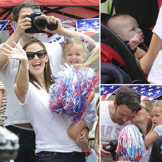 Ben Affleck and Jennifer Garner watch the 4th of July Parade with their kids Violet,Seraphina and Samuel