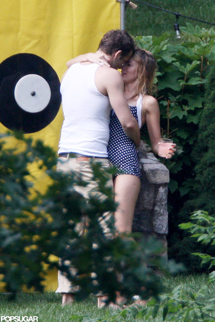 Ryan Reynolds and Blake Lively kissed on the Fourth of July in New York.