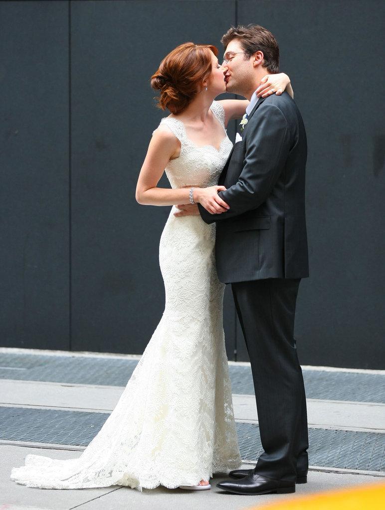 Ellie Kemper and husband Michael Korman kissed.