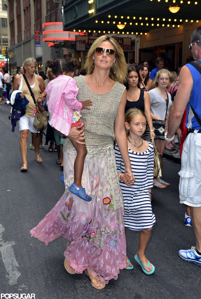Heidi Klum spent a day in NYC's Times Square with her kids Lou Samuel and Leni Klum.