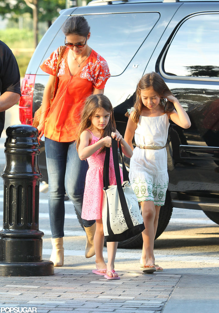 Katie Holmes and Suri Cruise head to a children's gymnastics class.