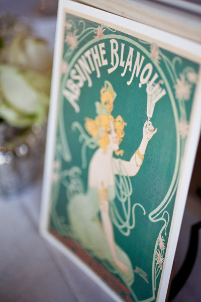 Vintage Posters Photo by Brosnan Photographic via Style Me Pretty