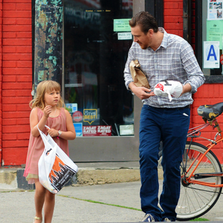 Jason Segel Hangs Out in Brooklyn With Matilda Ledger