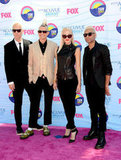 Gwen Stefani and bandmates Tom Dumont, Adrian Young, and Tony Ashwin Kanal at the Teen Choice Awards.