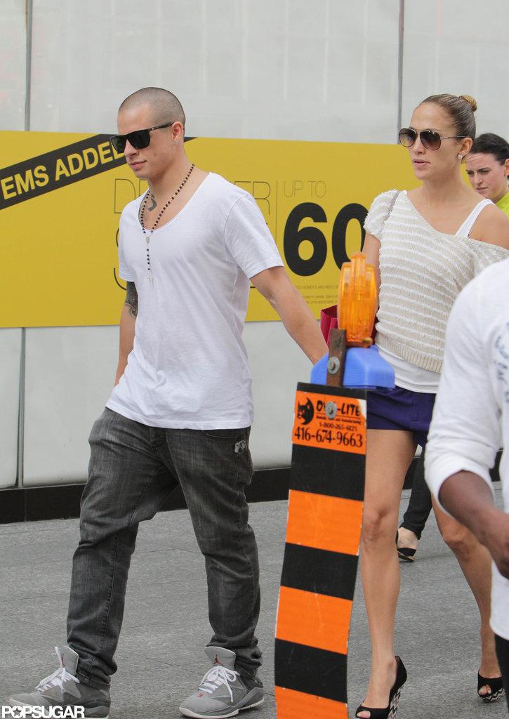 Jennifer Lopez and Casper Smart were together on tour.