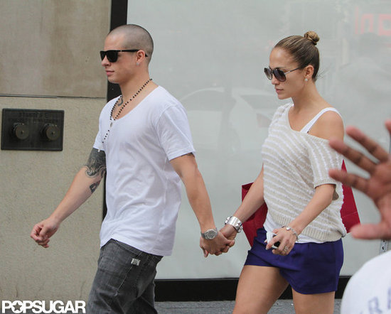 Jennifer Lopez and Casper Smart looked loved up.
