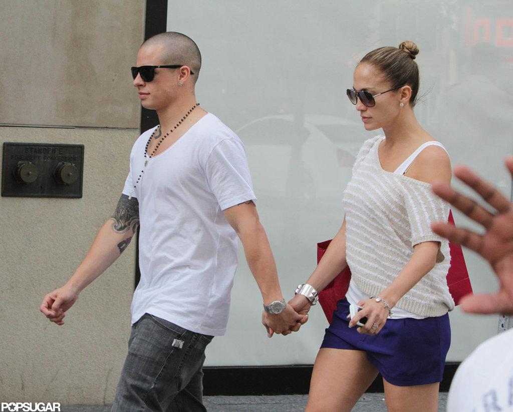 Jennifer Lopez and Casper Smart looked loved up.