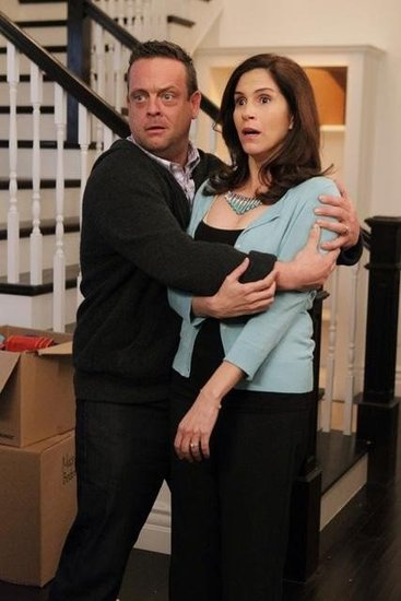 Jami Gertz and Lenny Venito on The Neighbors. Photo copyright 2012 ABC, Inc.