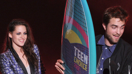 Video: Kristen Stewart Surprises Fans During Vampire-Dominating Teen Choice Awards