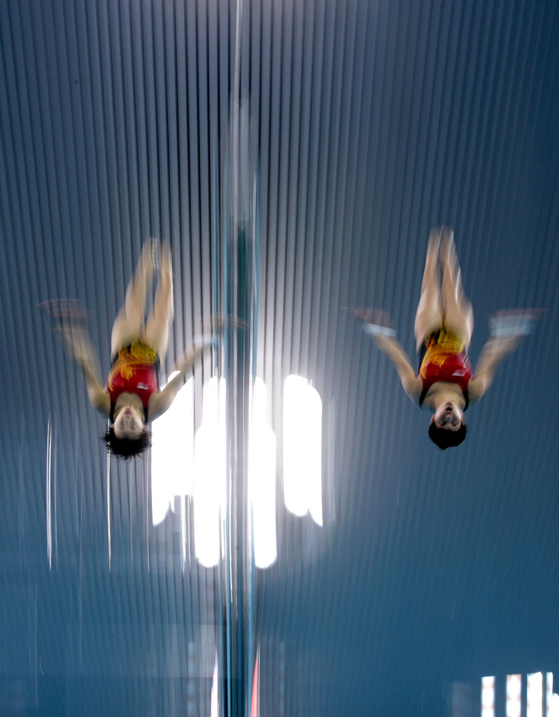 Everything's in synch for divers Ruoling Chen and Hao Wang of China.