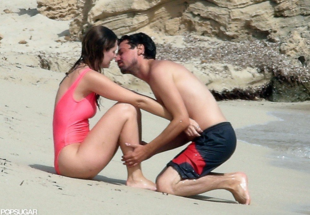 Mischa Barton Beach And Pda Pictures Popsugar Celebrity