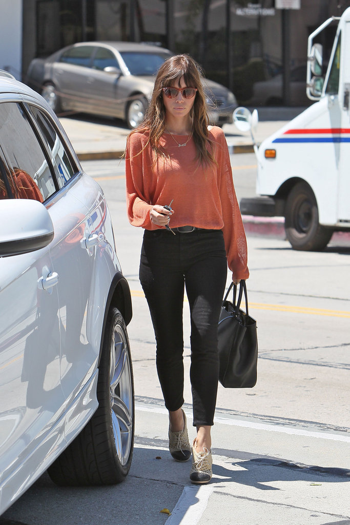 File this one under work looks to steal — Jessica Biel outfitted a perfectly polished top and skinnies with oxford heels.