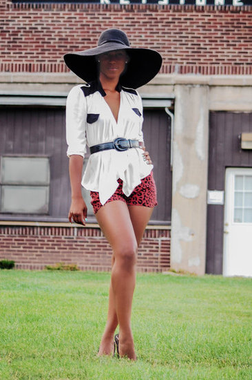 Street Style: Large Brim Hat!