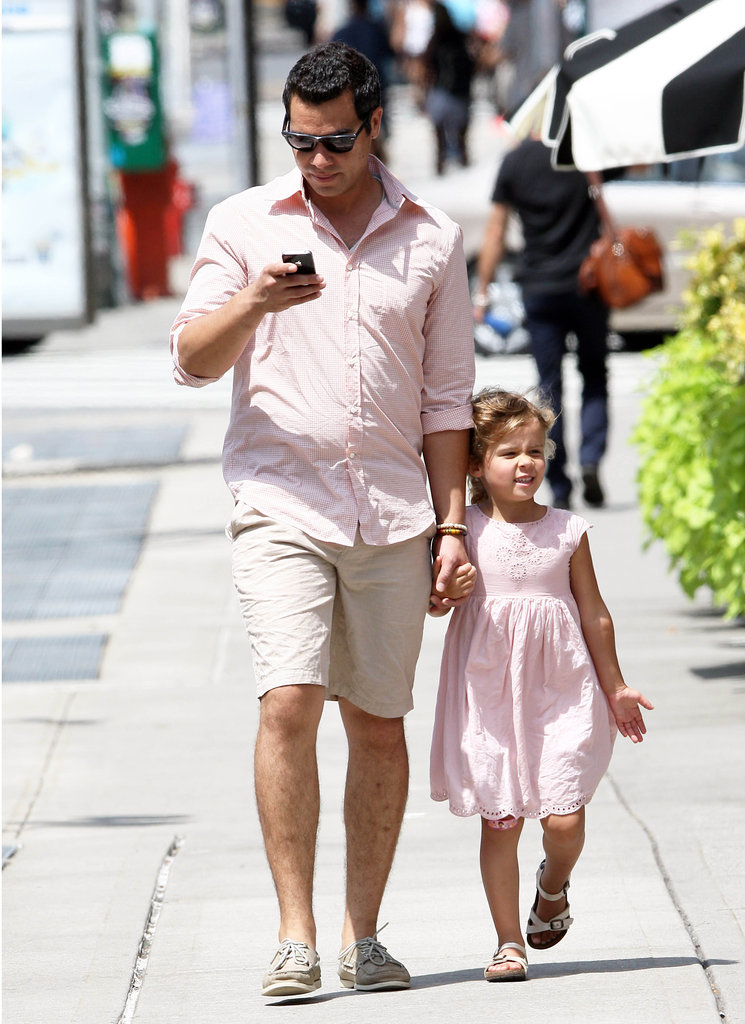 Cash Warren and Honor Warren took a father-daughter stroll in NYC.