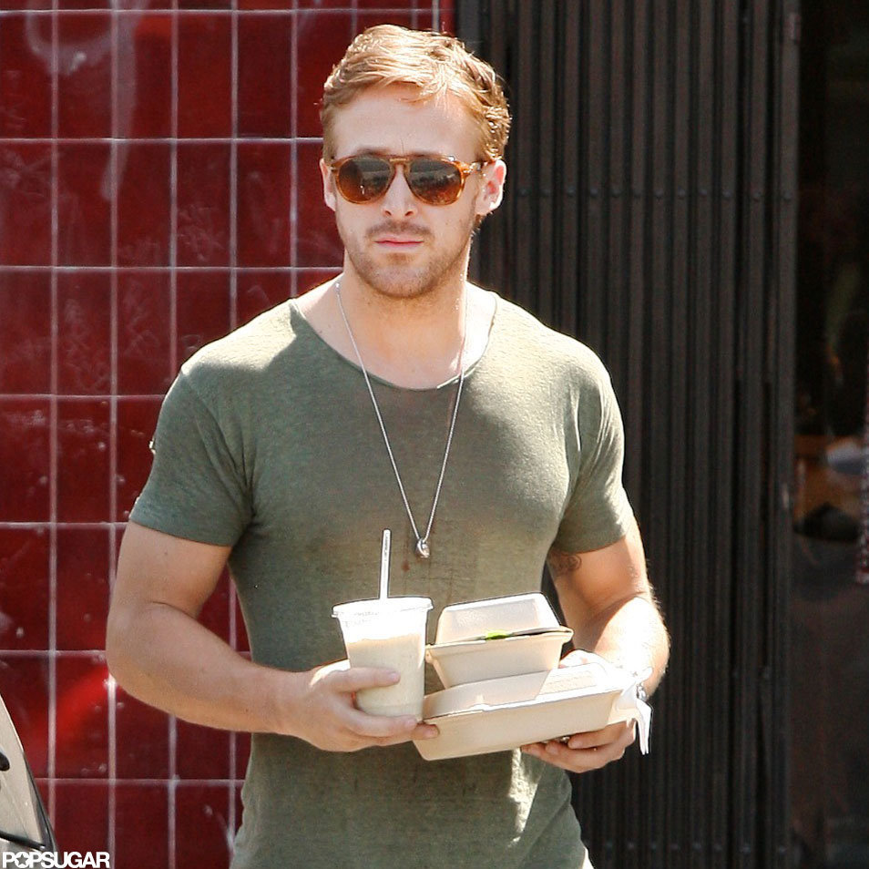 Ryan Gosling wore a tight t-shirt in LA.