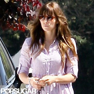 Jessica Biel accessorized with her engagement ring.