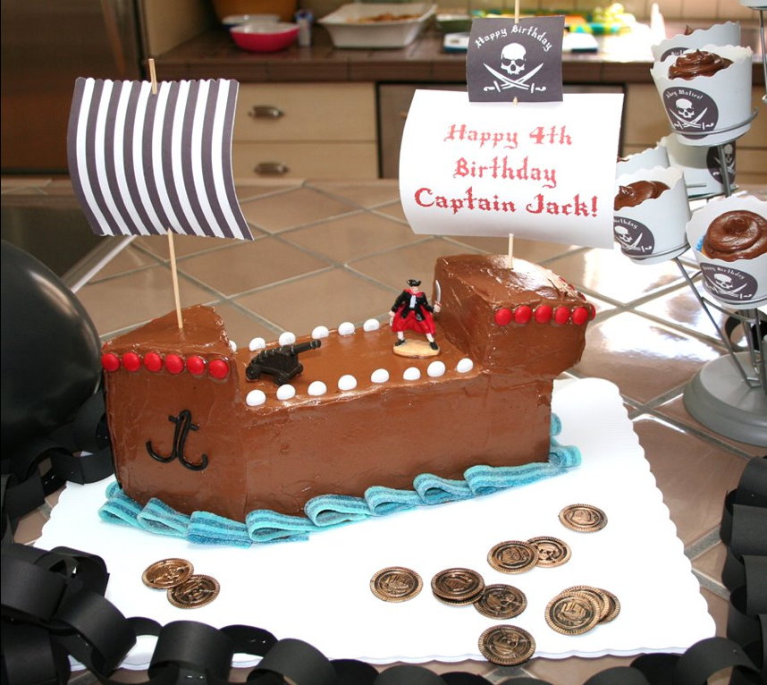 A Pirate Ship Cake to Inspire a Tiny Crew