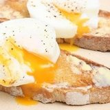 Brilliant Kitchen Hack! Reheat Poached Eggs at the Office