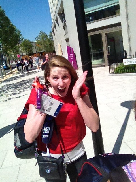 Lauren Perdue shared a photo of her very excited swimming teammate Missy Franklin. Source: Twitter user loperdue