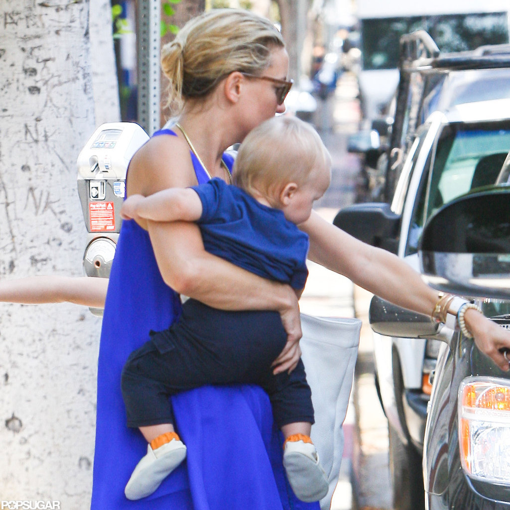 Kate Hudson held Bingham in her arms.