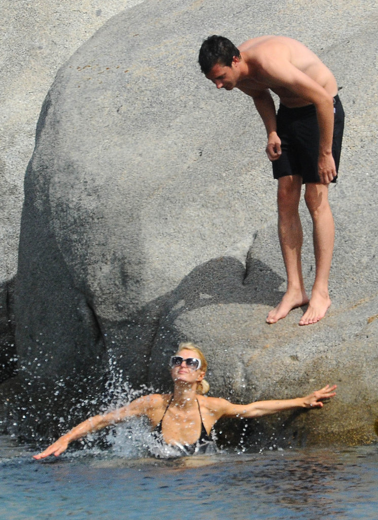 Paris Hilton made a splash.