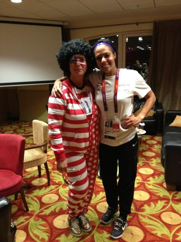 US women's soccer player Sydney Leroux's mom showed off her spirit.  Source: Twitter user sydneyleroux