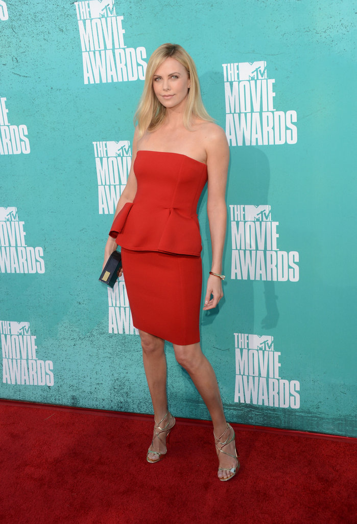 Charlize stole the spotlight in red at the 2012 MTV Movie Awards.