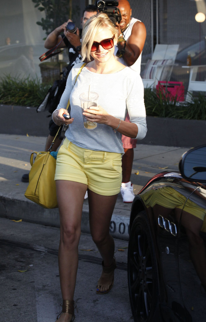 Cameron Diaz left the hair salon and got into her car.