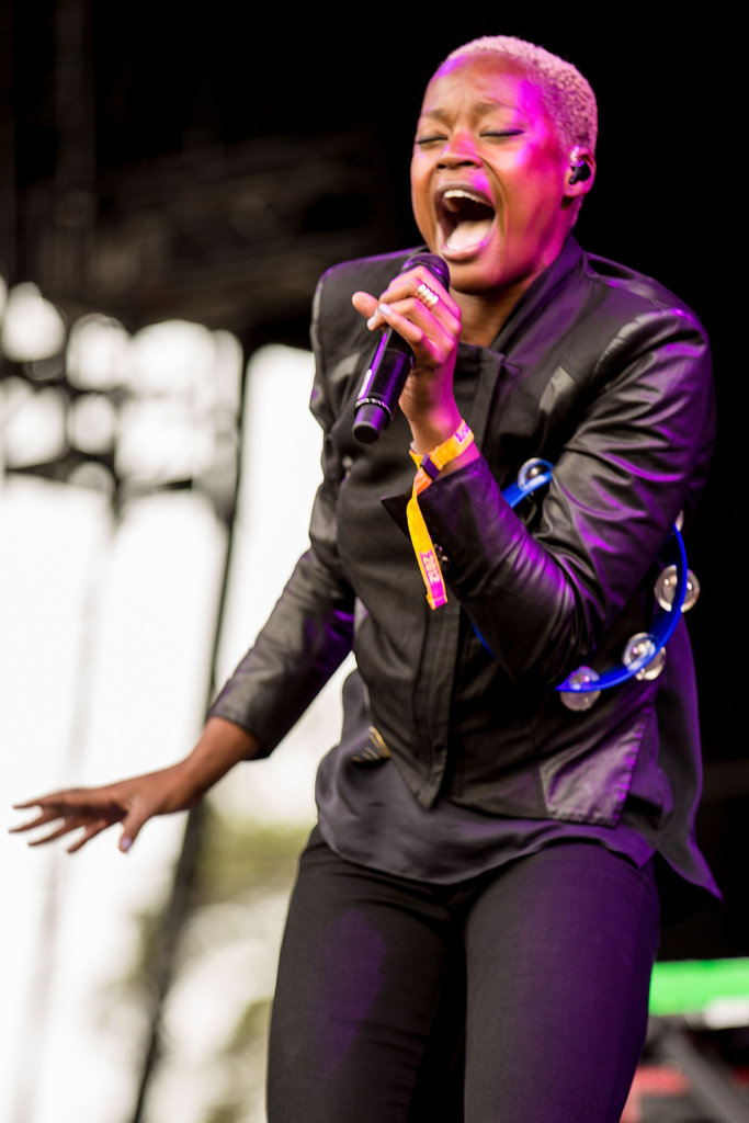 Noelle Scaggs of Fitz and The Tantrums gave her lungs a workout.
