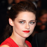 Kristen Stewart's Makeup Artist Gives a Lesson