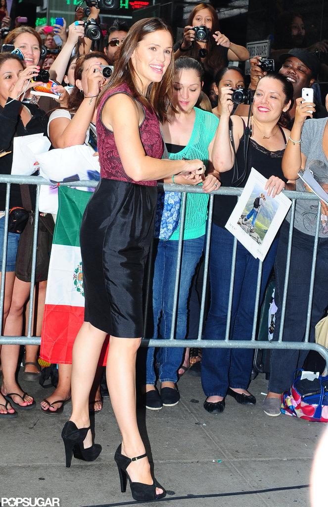 Jennifer Garner signed autographs for fans outside of Good Morning America.