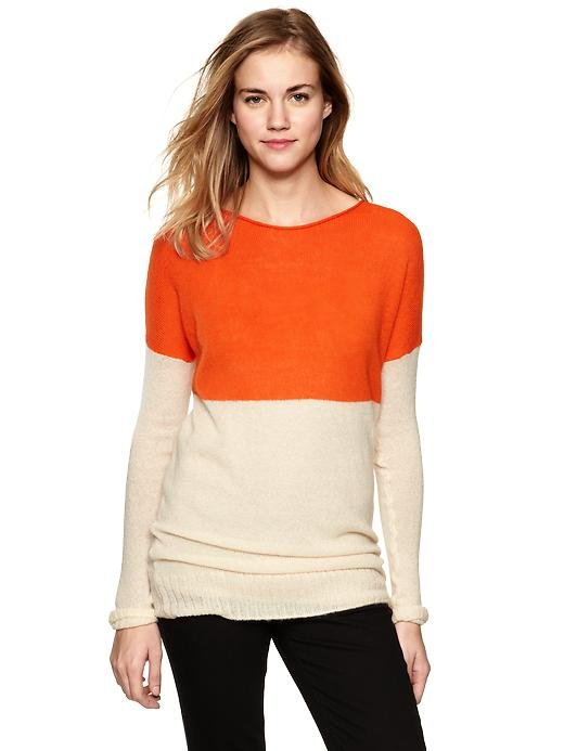 Wear this colorblock sweater with dark jeans or black trousers for the ultimate contrast. Gap Colorblock Boatneck Sweater ($50)