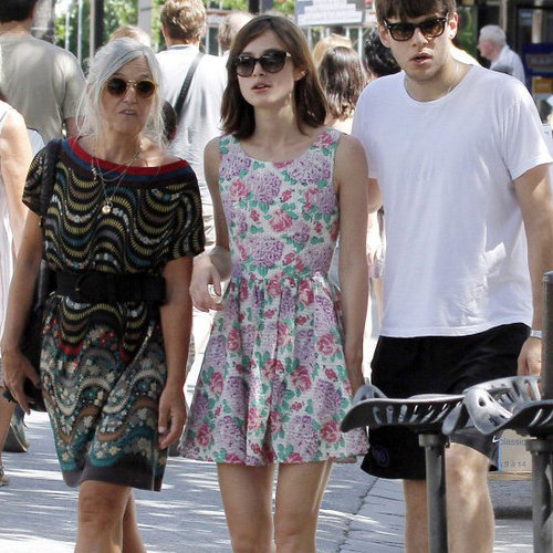Celebrities Wearing Flip Flops (Pictures and Shopping)