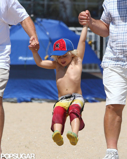 Zuma Rossdale hit the sand with mom Gwen Stefani.