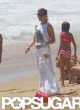 Gwen Stefani played with Zuma and Kingston on the beach.