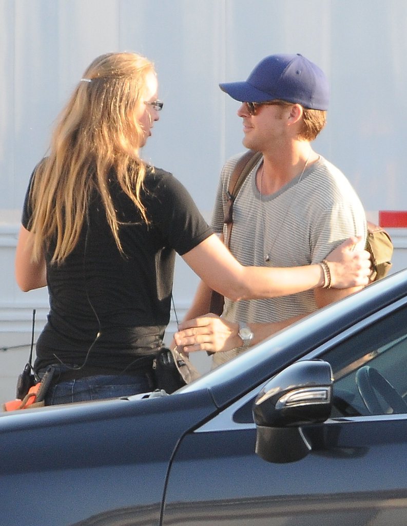 Ryan Gosling wore a baseball cap.