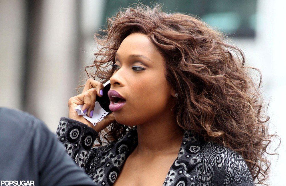 Jennifer Hudson rocked purple nail polish on the set of Smash.