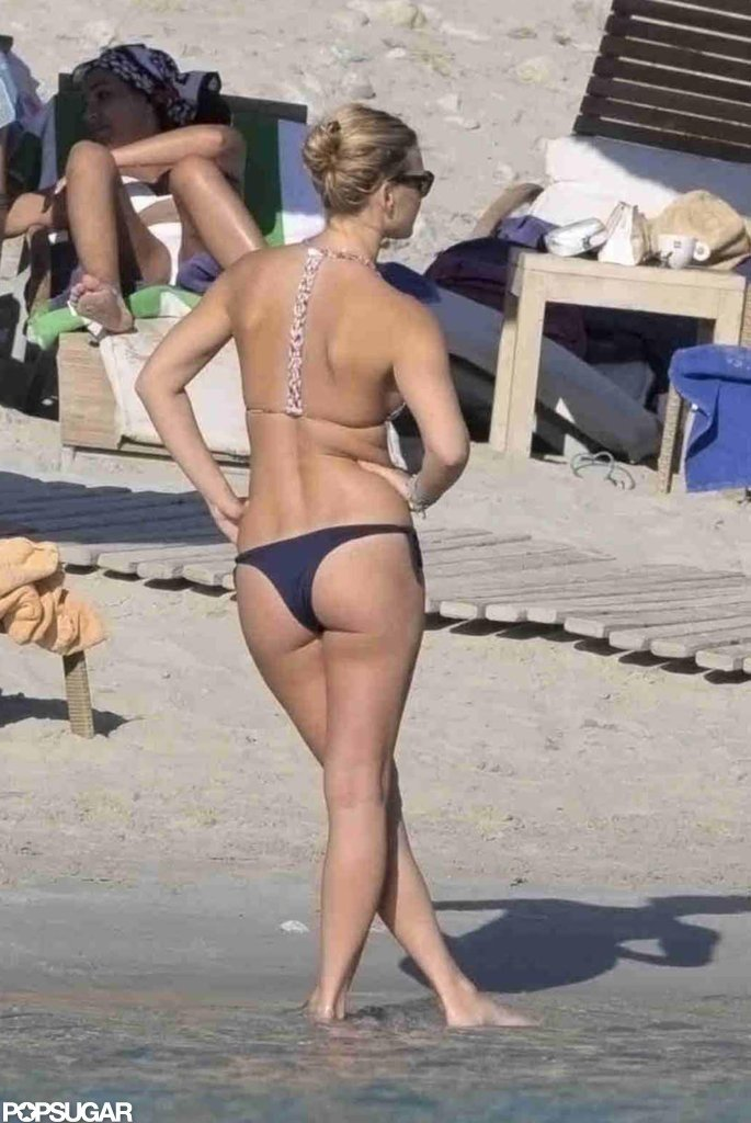 Bar Refaeli stood on the beach.