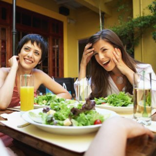 How Eating Out Promotes Weight Loss