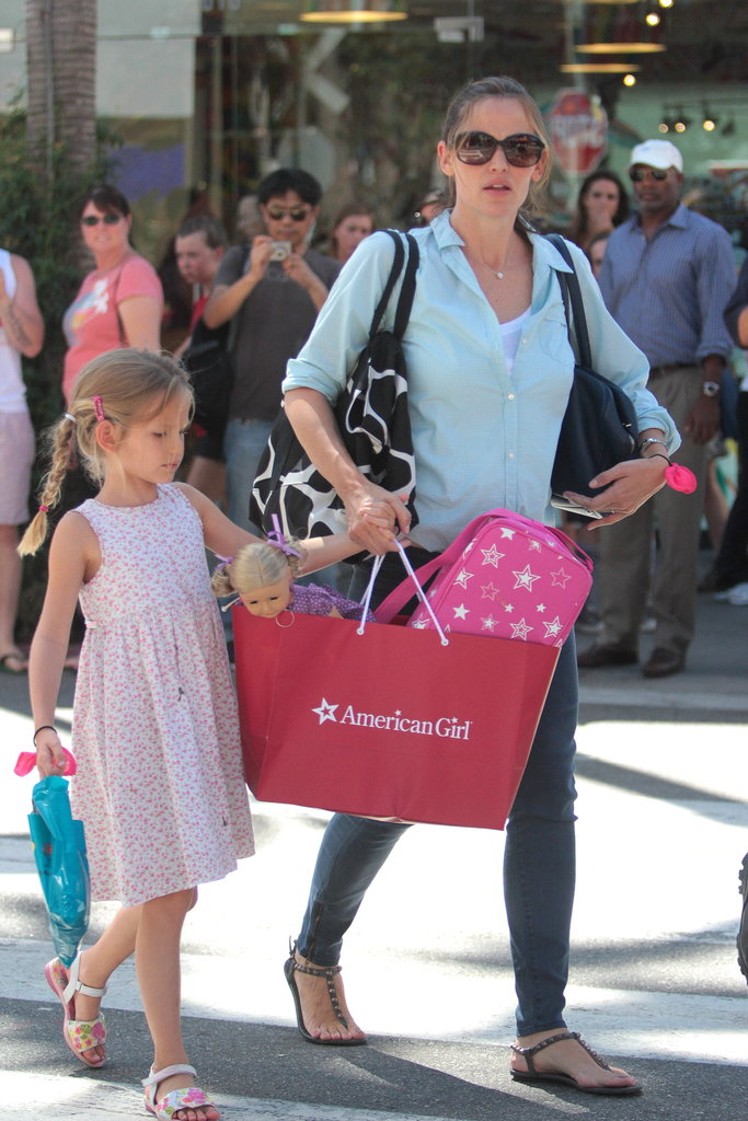 Violet Affleck and Jennifer Garner held hands while out in LA.