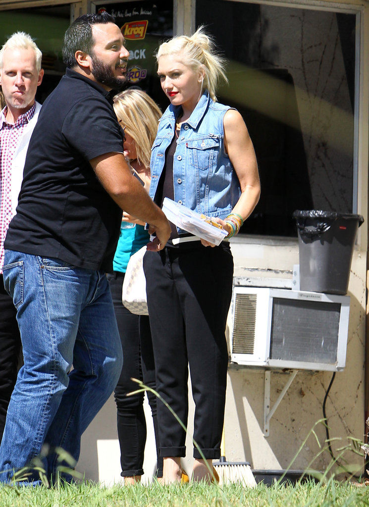 Gwen Stefani sported a pair of black pants.