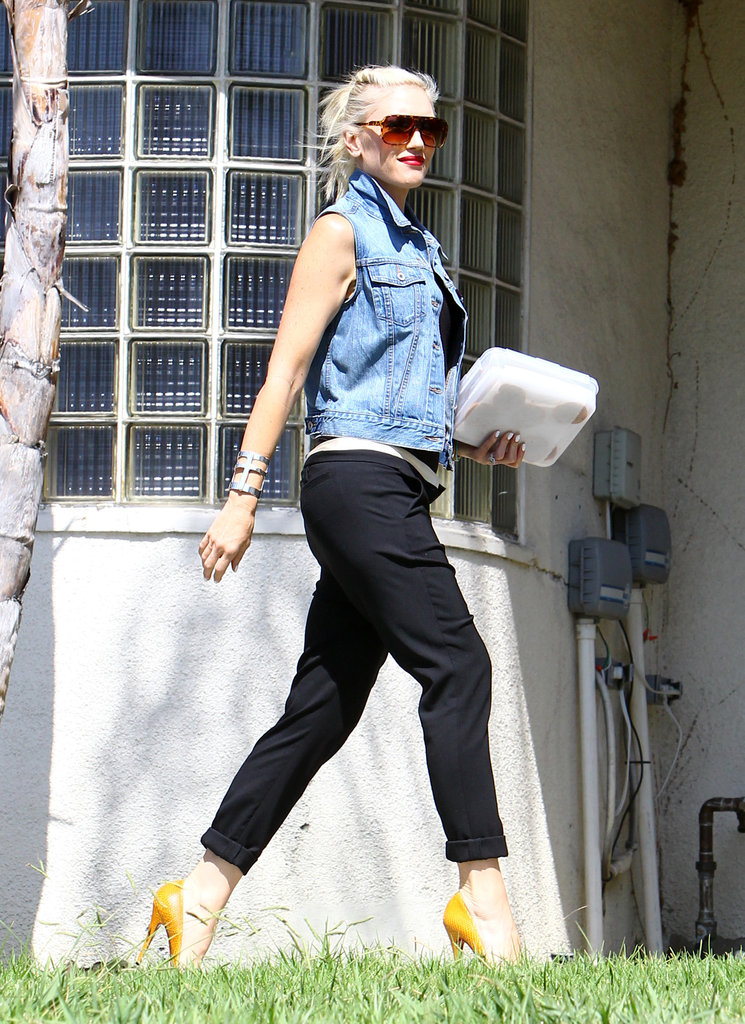 Gwen Stefani accessorized with bracelets.