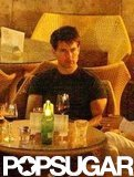 A disheveled and tired-looking Tom Cruise had a late night drink with friends at a bar in Hvar.