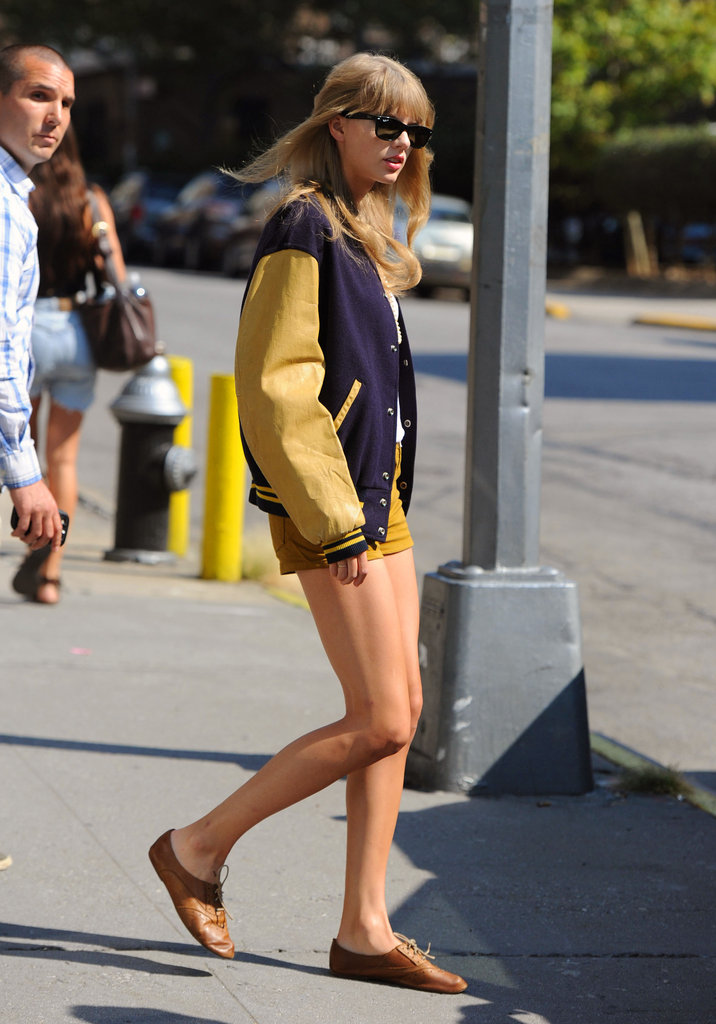 Taylor Swift Hit The Streets of NYC In Glamorous Gold Separates Taylor Swift Hit The Streets of NYC In Glamorous Gold Separates new photo