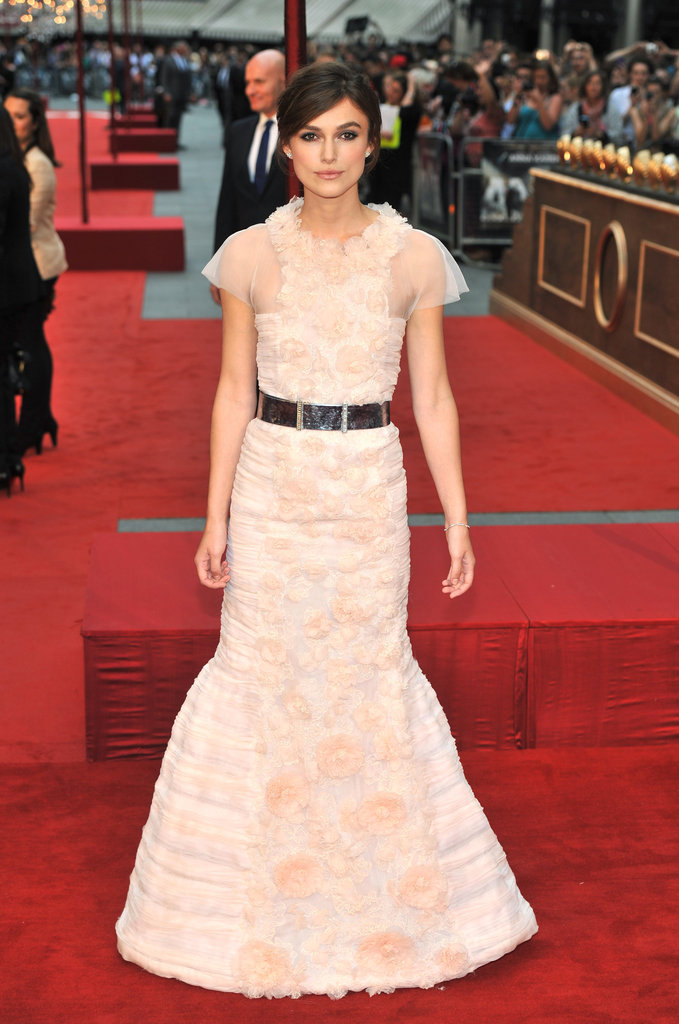 Keira Knightley wore a belt with her dress.