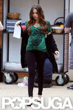 Sofia Vergara displayed her fake belly while snacking on set.